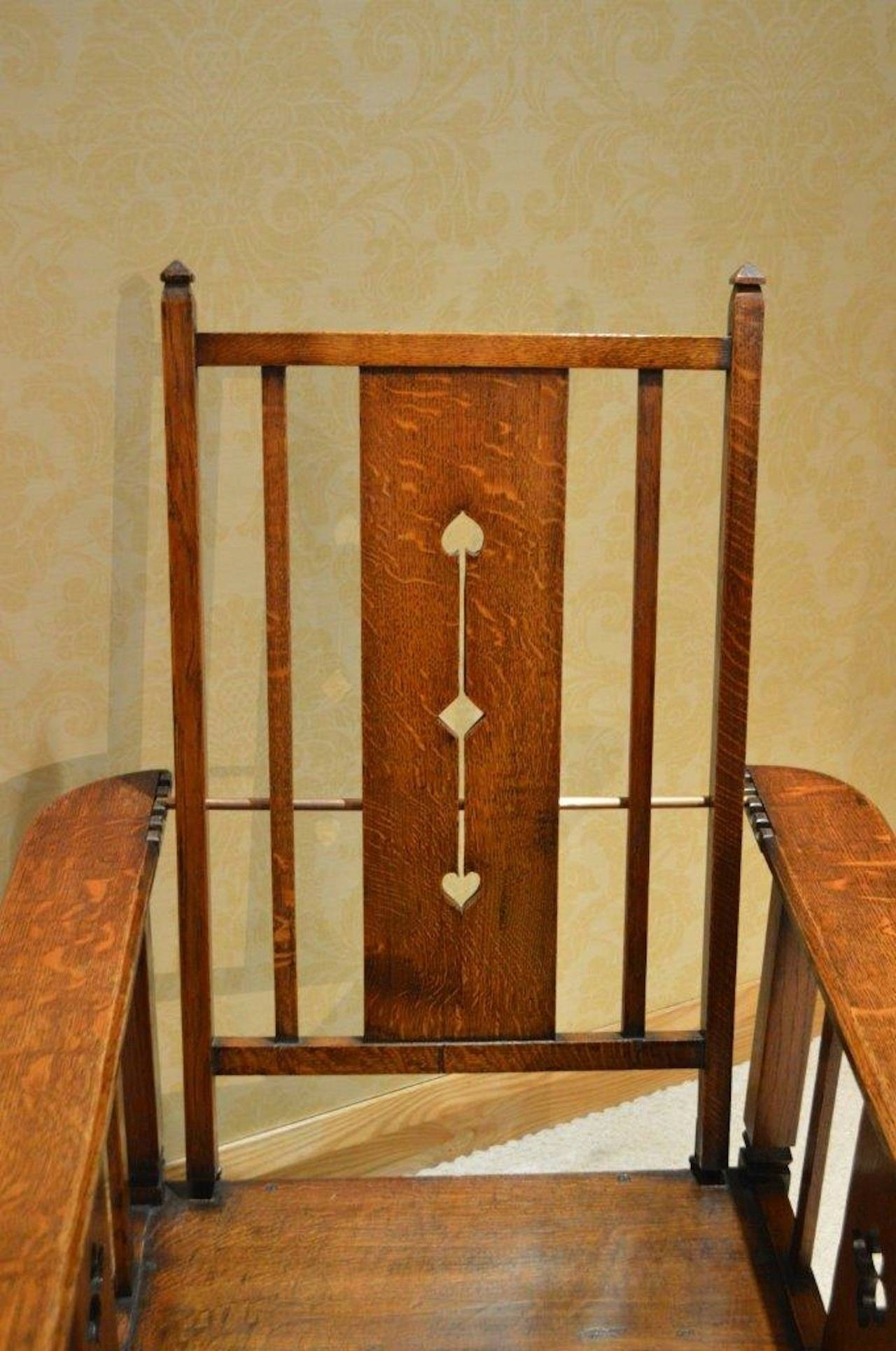 Arts and crafts chairs - Good And Rare Pair Of Oak Arts Crafts Period Reclining Chairs 2