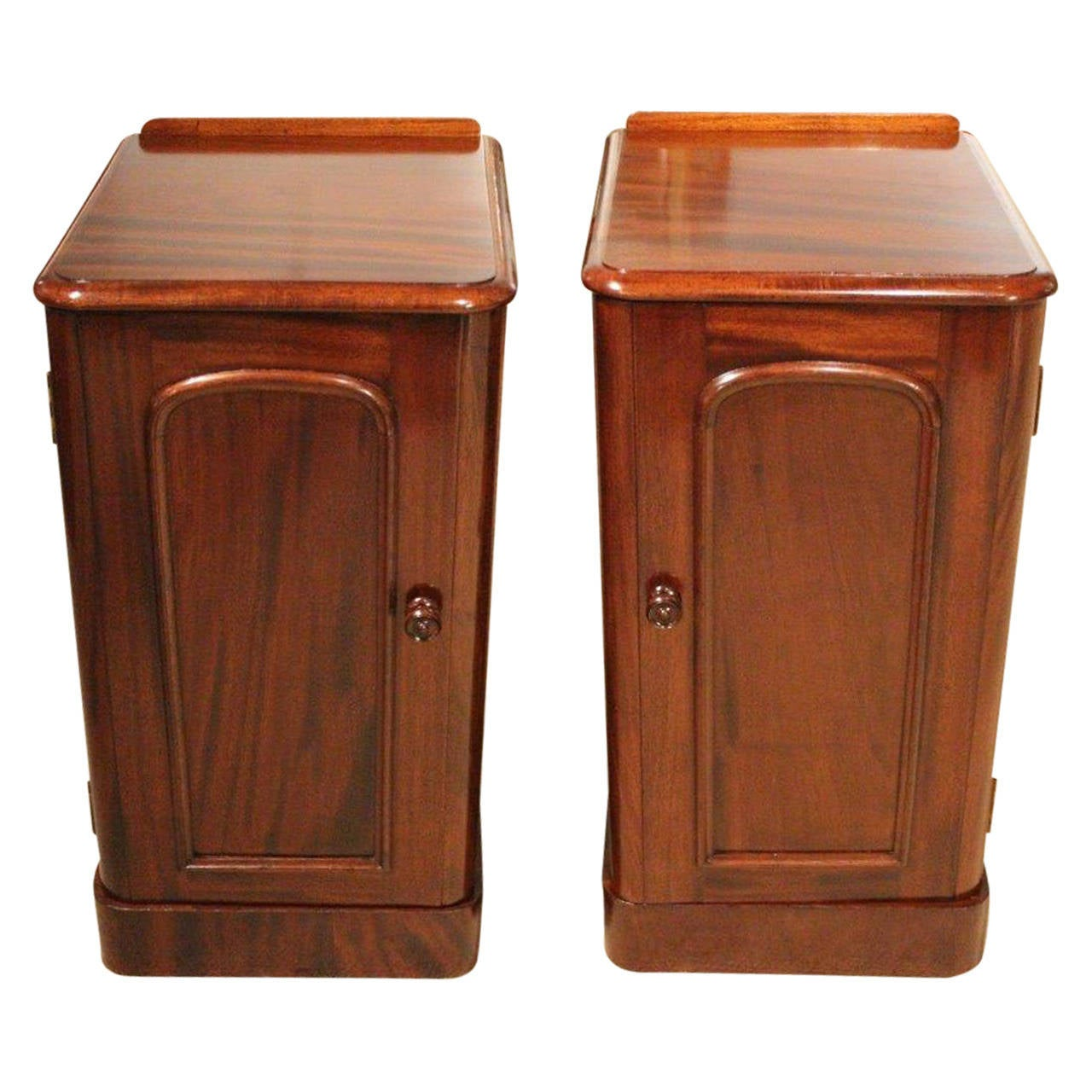 True Pair of Mahogany Victorian Period Antique Bedside Cabinets or  Cupboards 1 - True Pair Of Mahogany Victorian Period Antique Bedside Cabinets Or
