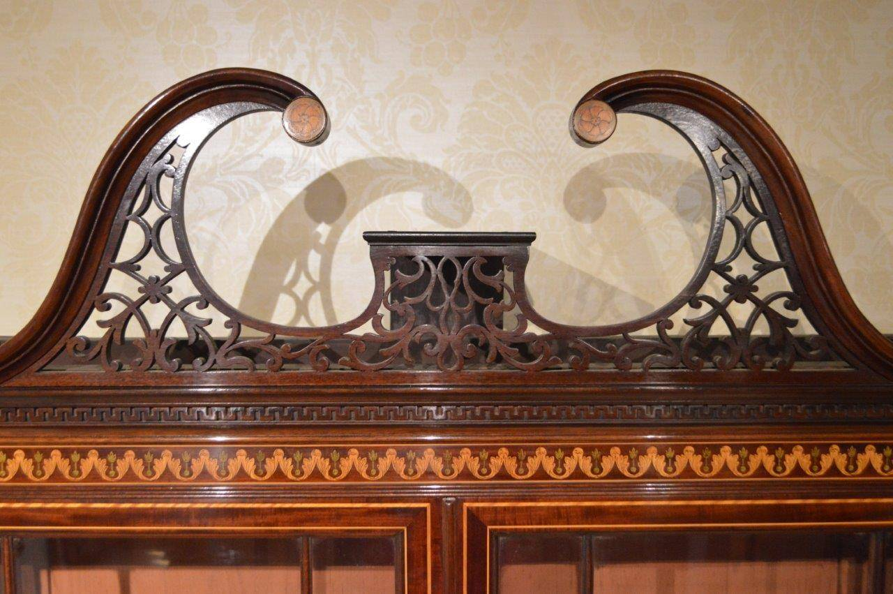 Late Victorian Stunning Exhibition Quality Bookcase by Edwards & Roberts of London For Sale