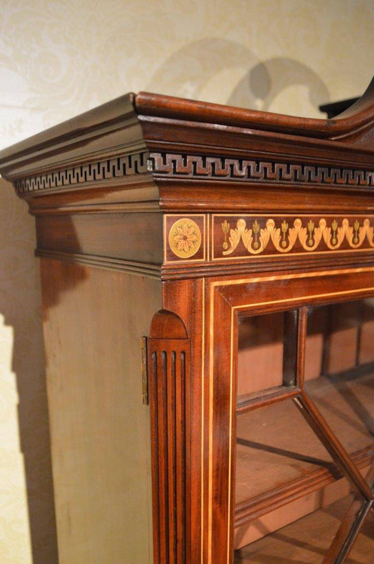 Mahogany Stunning Exhibition Quality Bookcase by Edwards & Roberts of London For Sale