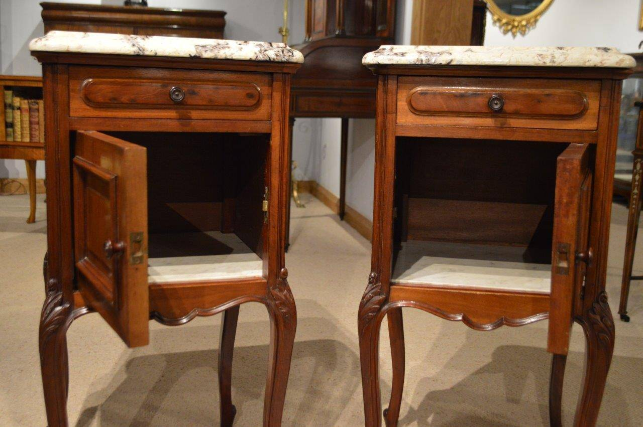Pair of Mahogany French Antique Bedside Cabinets or Cupboards In Excellent  Condition For Sale In Darwen - Pair Of Mahogany French Antique Bedside Cabinets Or Cupboards At 1stdibs