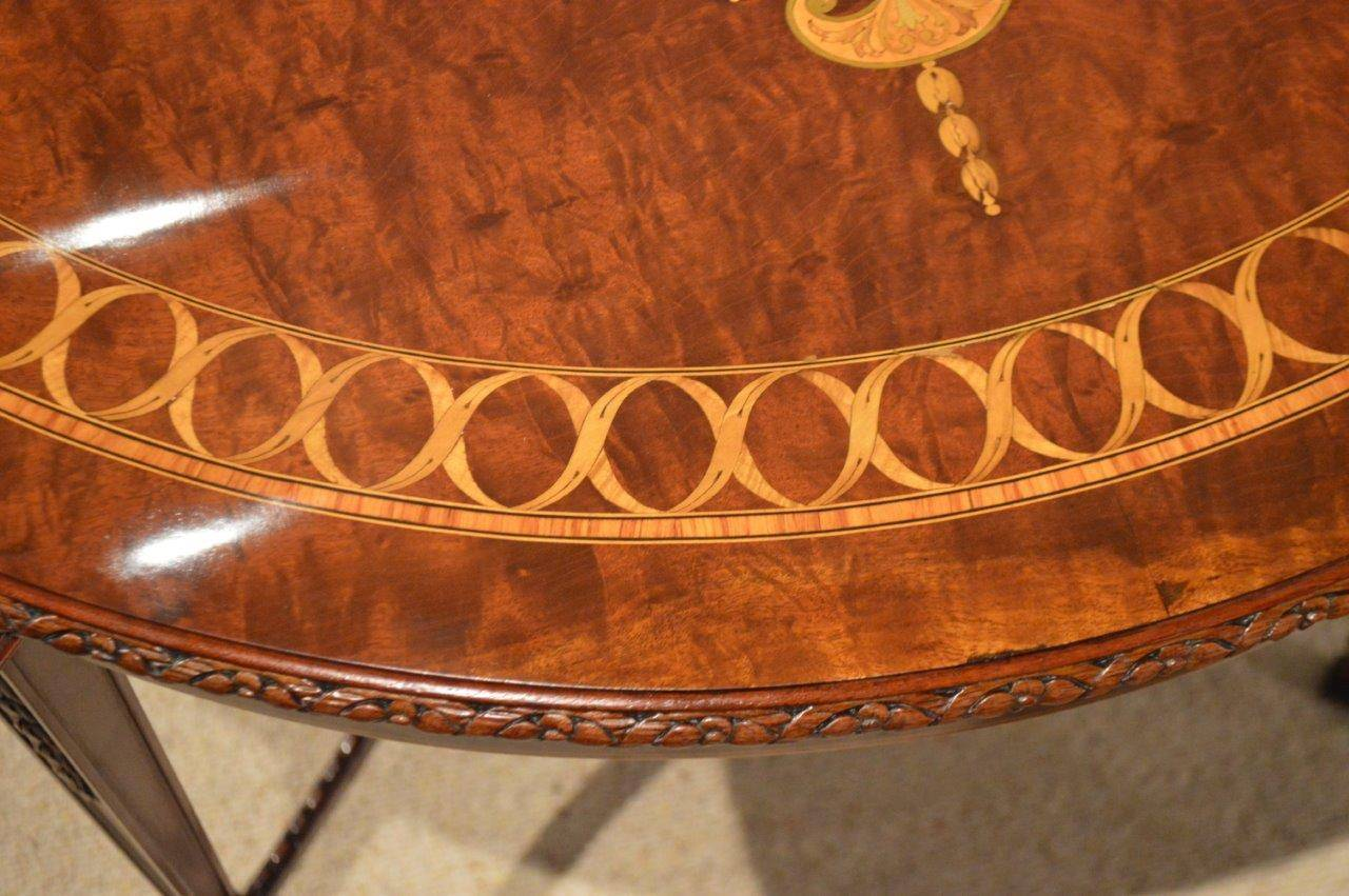 Merveilleux Mahogany Inlaid Edwardian Period Antique Table In Excellent Condition For  Sale In Darwen, GB