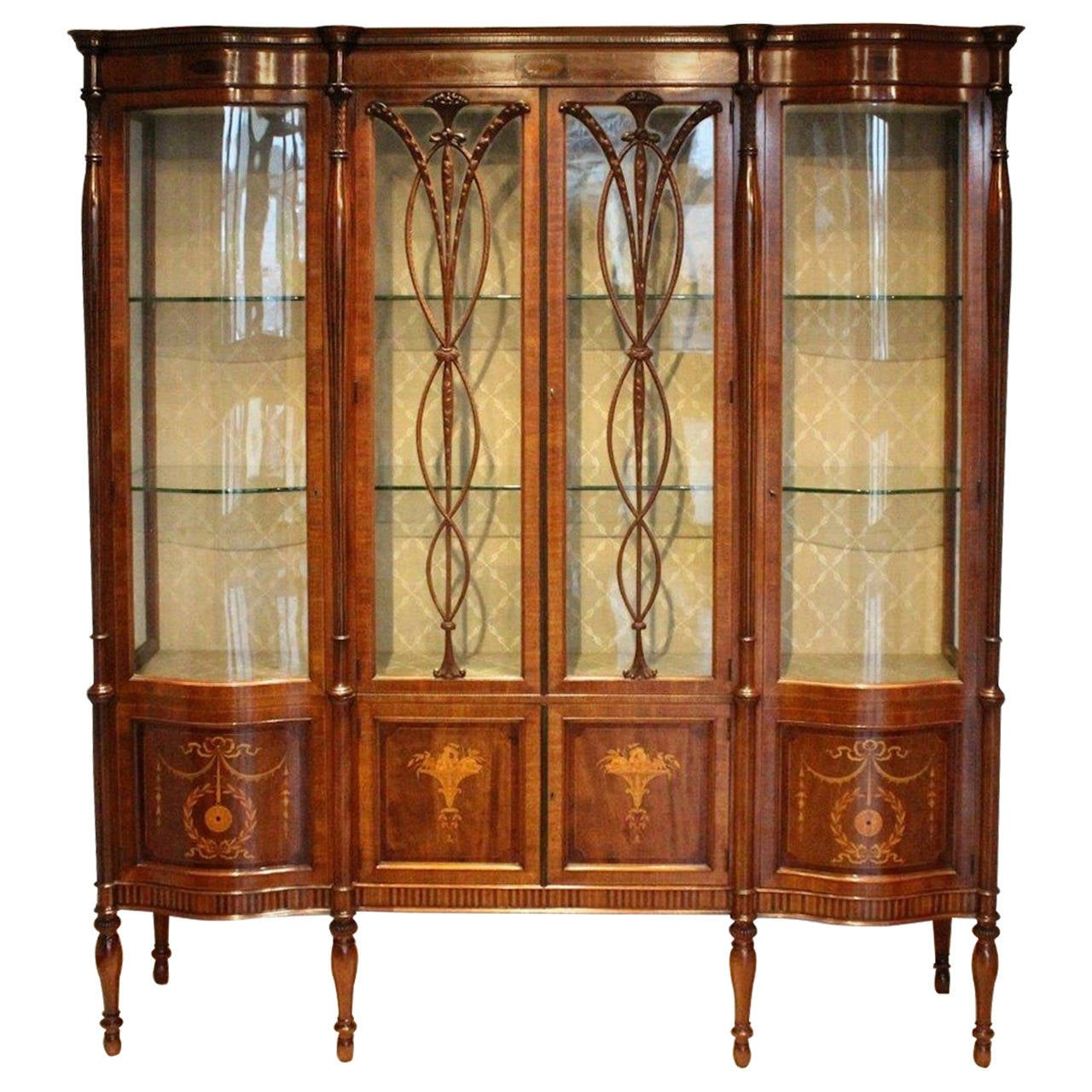 Fine Quality Mahogany Edwardian Period Antique Display Cabinet by Maple &  Co For Sale - Fine Quality Mahogany Edwardian Period Antique Display Cabinet By