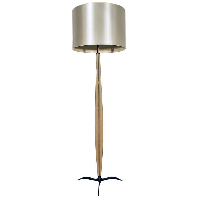 1940s Standing Lamp, Attributed Osvaldo Borsani, Lacquered Wood, Brass, Italy