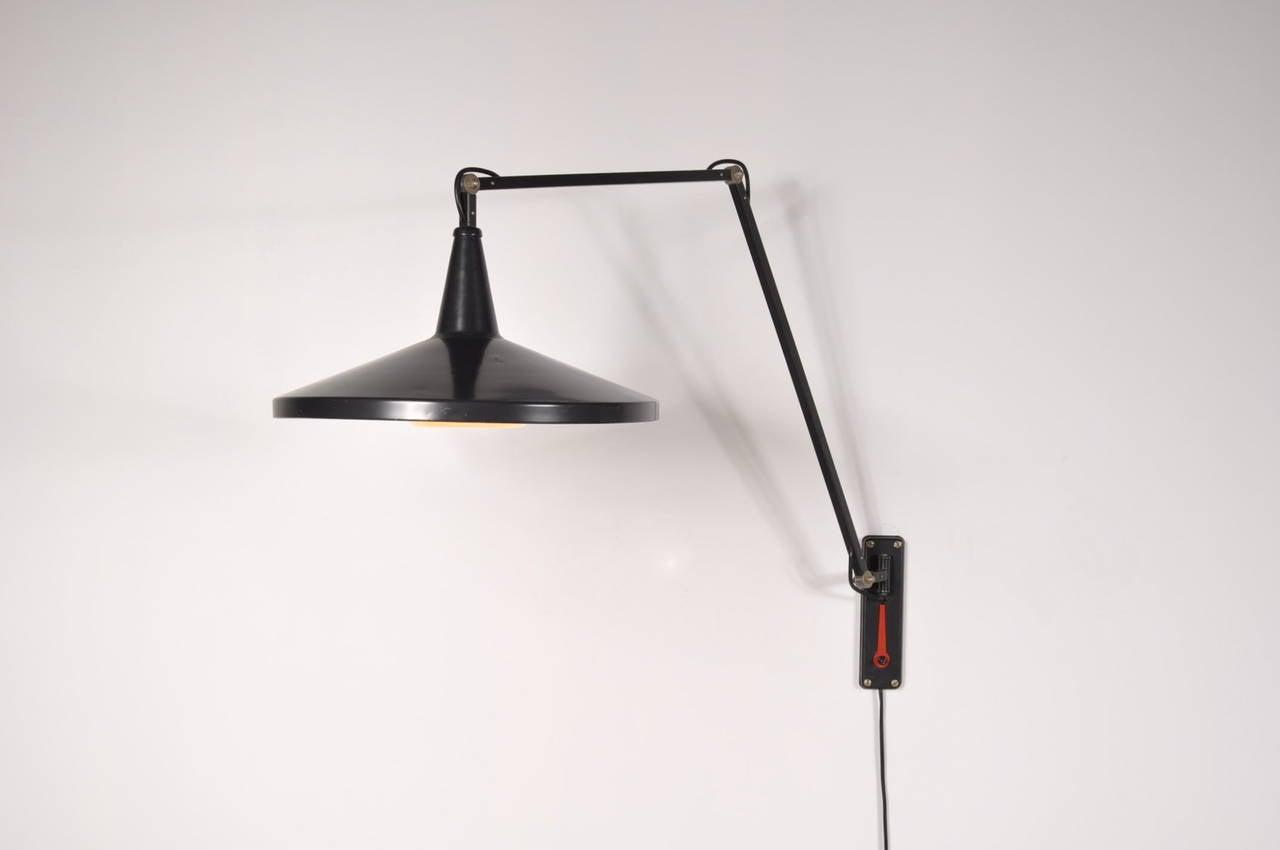Black Metal Wall Lamp