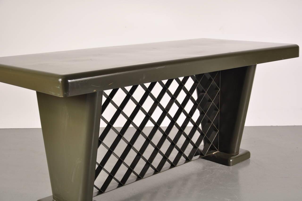 Mid-Century Modern German Art Deco Metal Table, circa 1930 For Sale