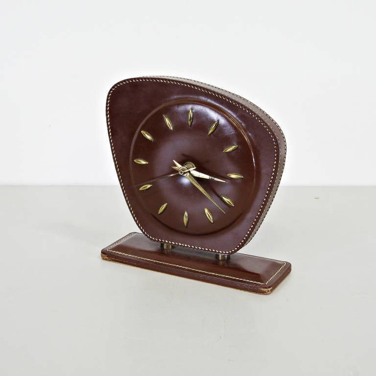 Jacques Adnet Leather Table Clock, circa 1950 In Good Condition For Sale In Amsterdam, NL