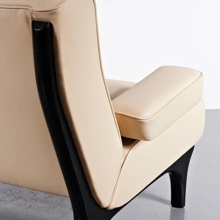 Italian Eugenio Gerli Leather Sofa for Tecno, circa 1960 For Sale