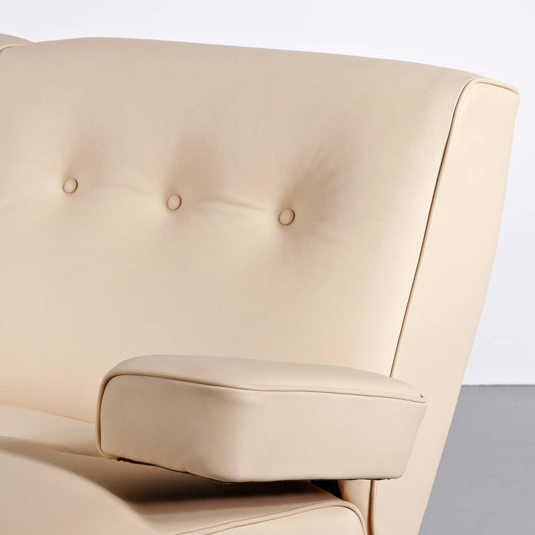 Eugenio Gerli Leather Sofa for Tecno, circa 1960 For Sale 1