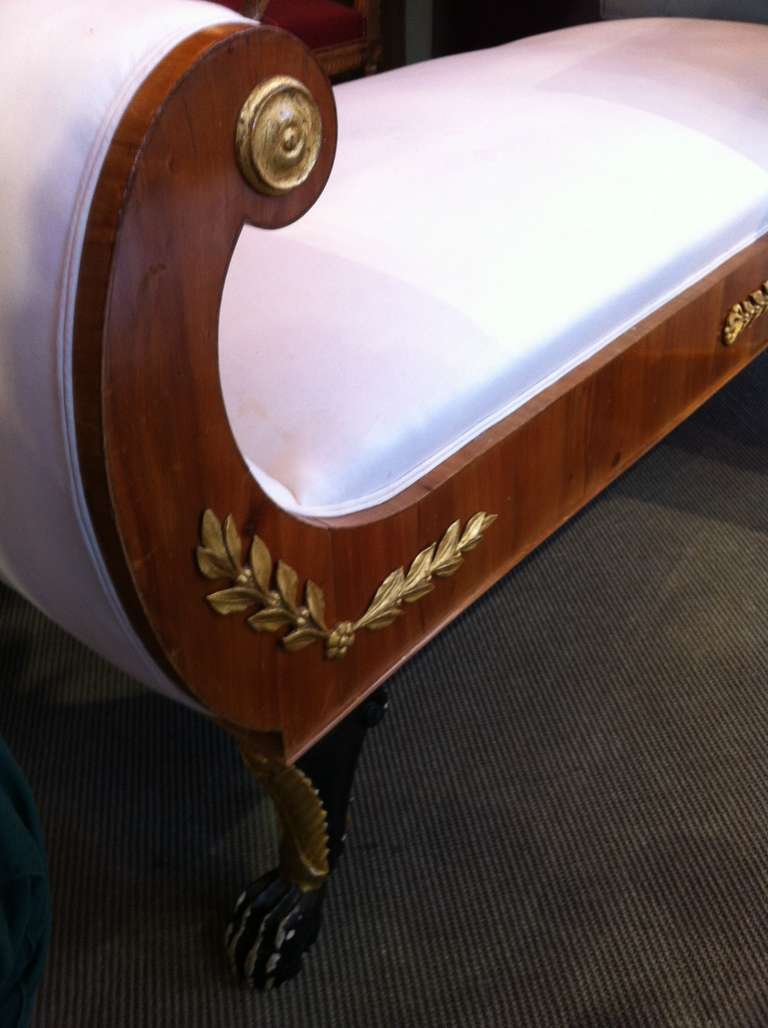 Early 19th century italian daybed or chaise longue at 1stdibs for Chaise longue london