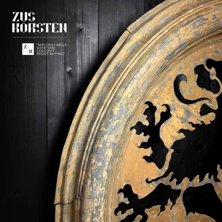 Zinc Oeil de Boeuf with Lion Ornamentation For Sale 3