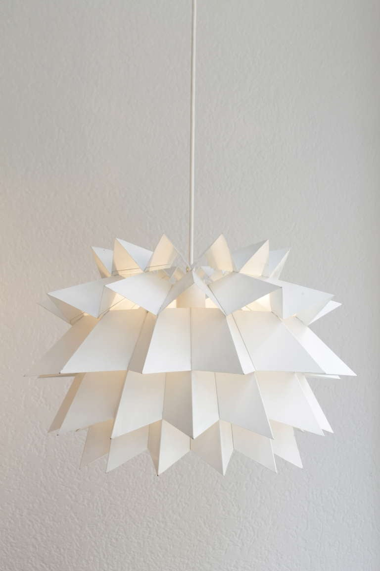 White bent metal star shaped hanging lamp. Design Anton Fog Holm produced by Nordisk Solar Company, circa 1968. Another one in yellow also available.
