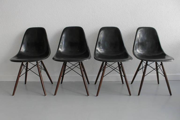 eames eiffel fiberglass side chair. eames dowel black fiberglass side chairs 2 eiffel chair c