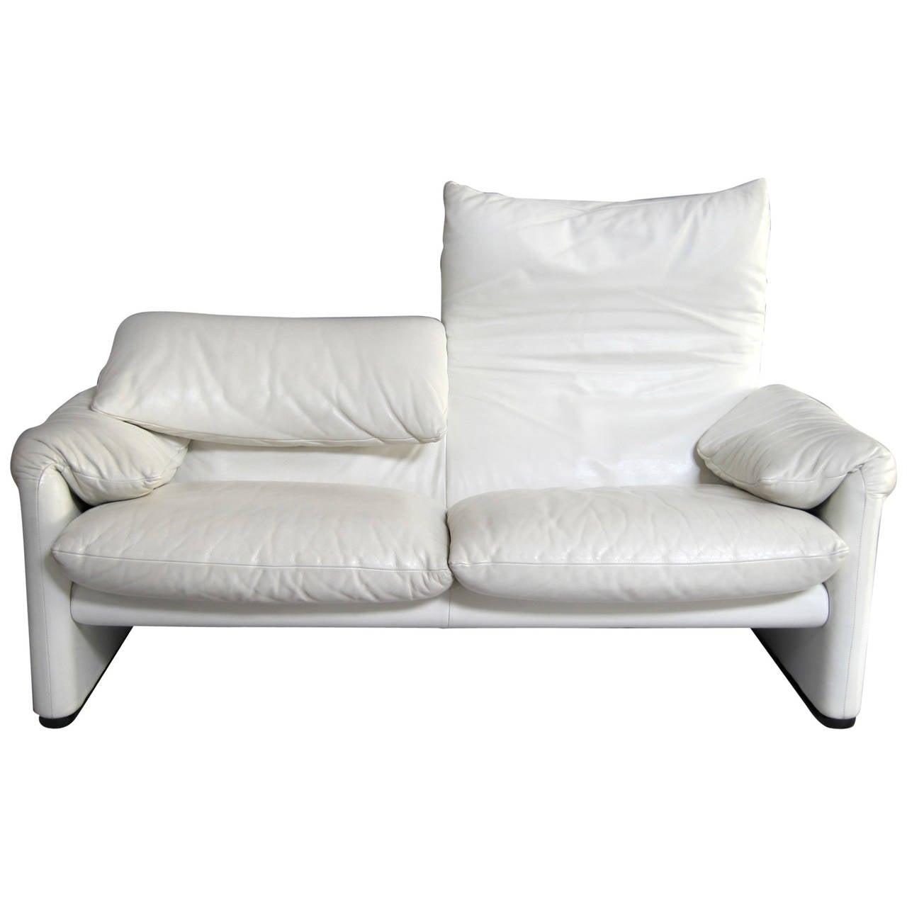 Timeless sofa maralunga by vico magistretti italy for Sofa timeless