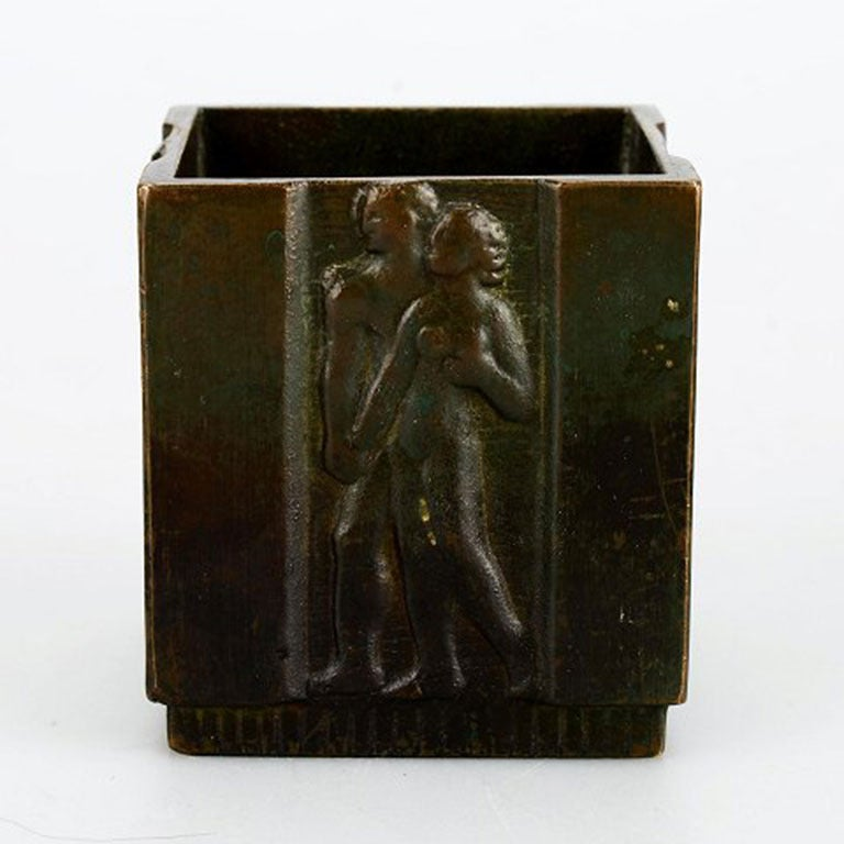 Three pieces, bronze, 1930s, Art Deco, GAB bronze. Bowl, vase and holder for matches. Hallmarked The dish measures: 13 x 11 cm. Good condition, beautiful patina.