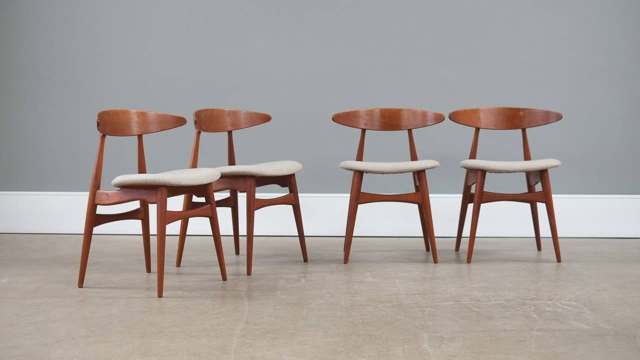 This four wishbone chairs by hans wegner is no longer available - Hans Wegner Ch33 Chairs At 1stdibs