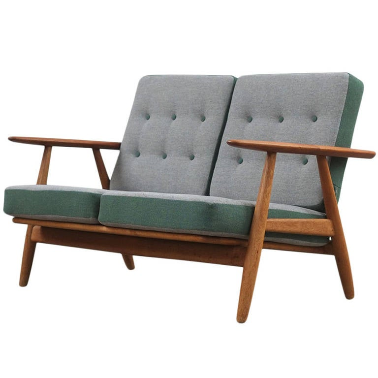 hans wegner ge240 cigar sofa at 1stdibs. Black Bedroom Furniture Sets. Home Design Ideas