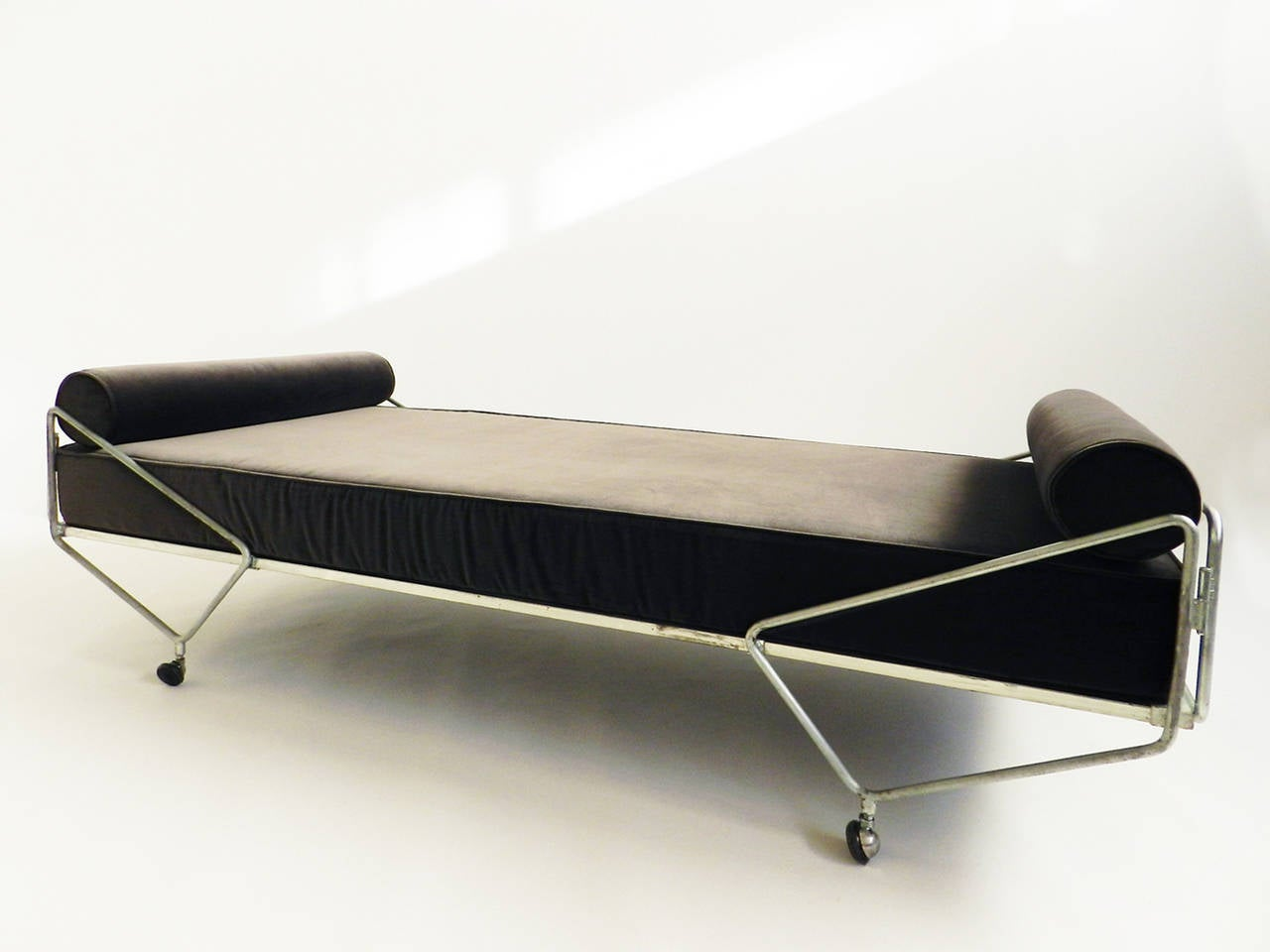 Gio Ponti Daybed from the Apta Series 2