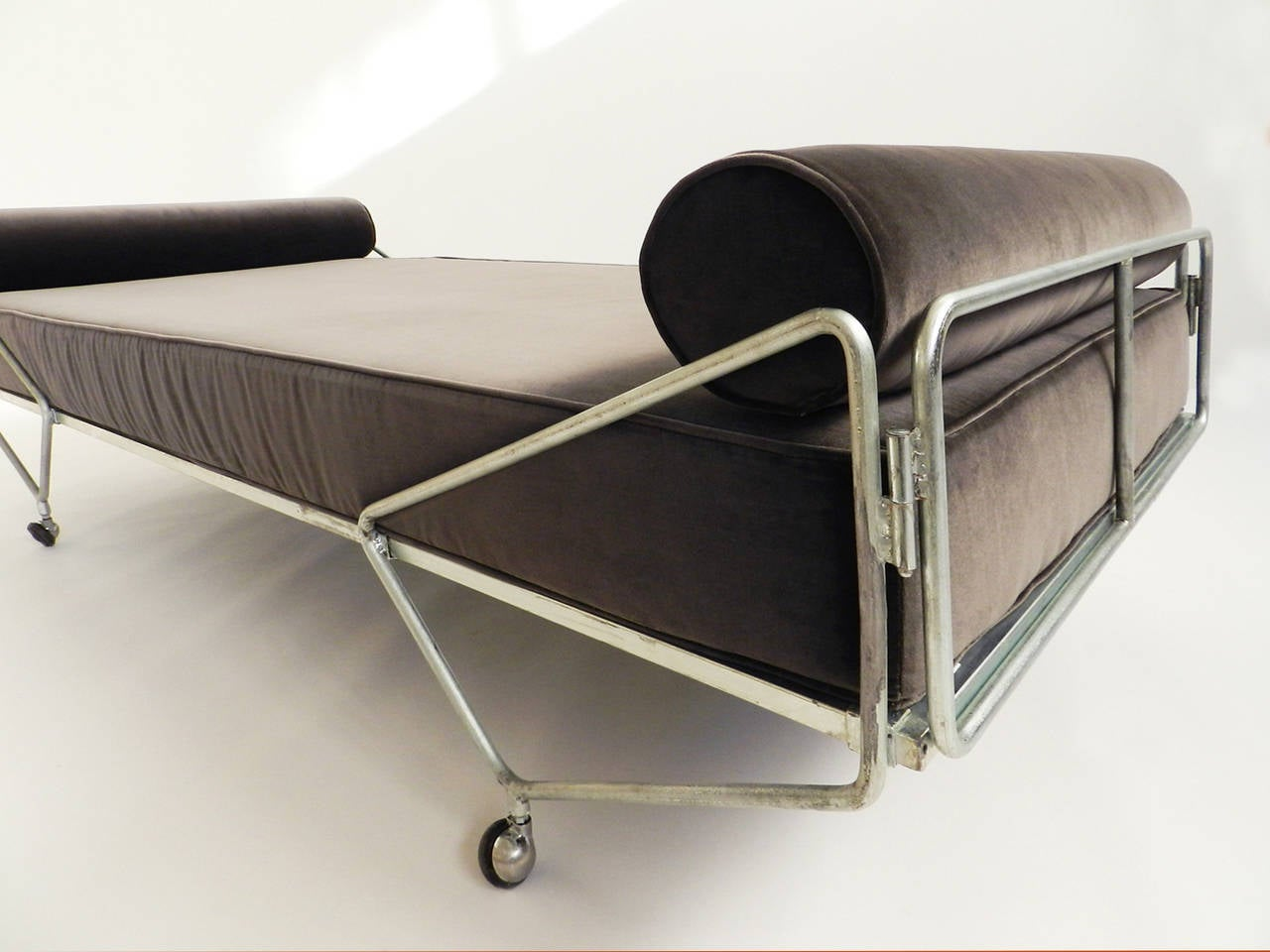 Gio Ponti Daybed from the Apta Series 4
