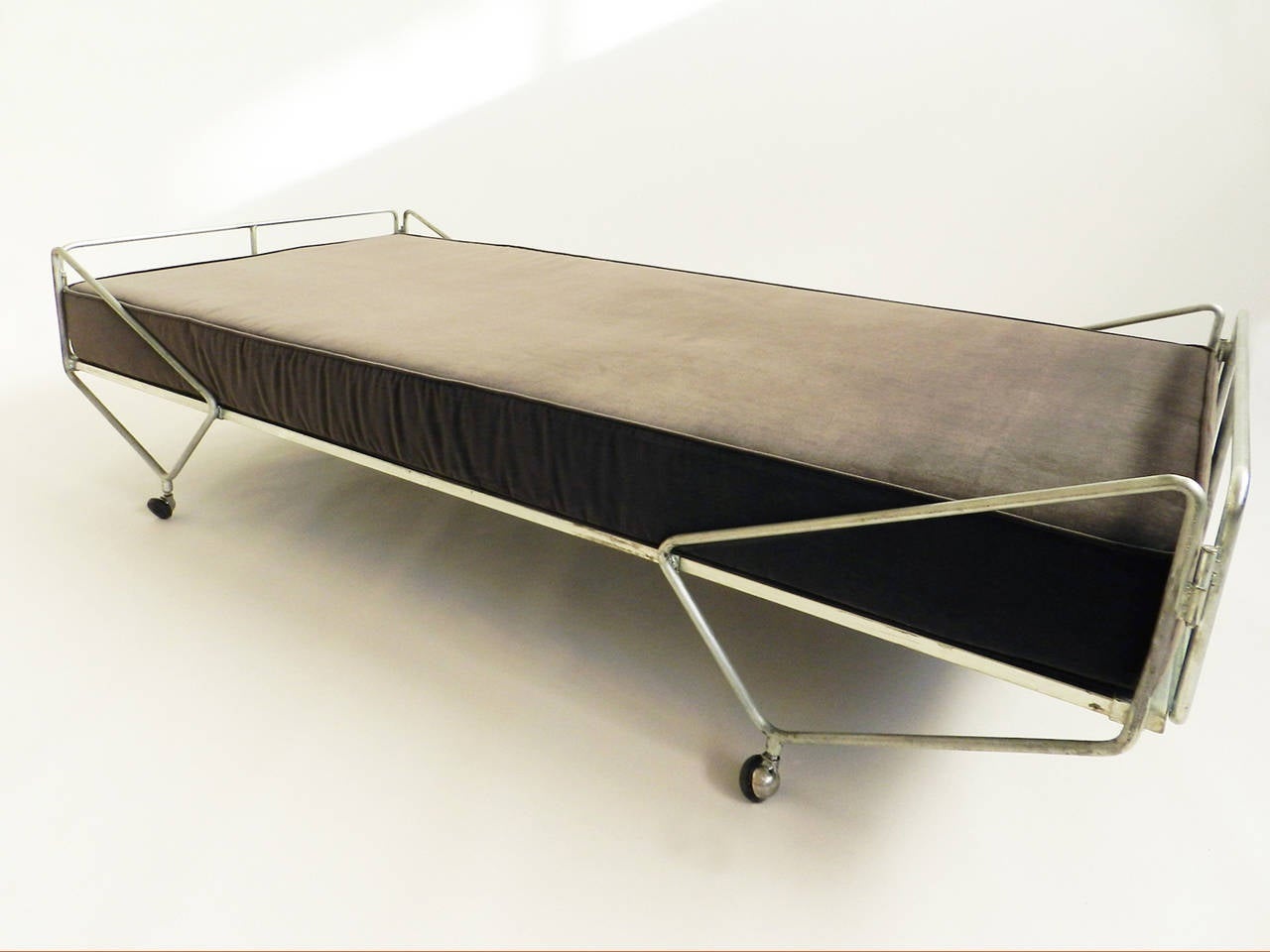 Gio Ponti Daybed from the Apta Series 6