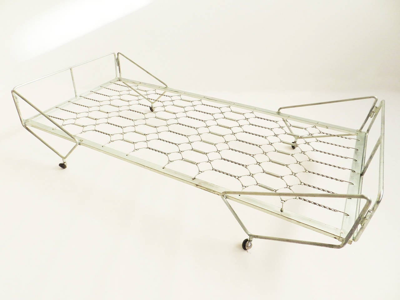 Gio Ponti Daybed from the Apta Series 7