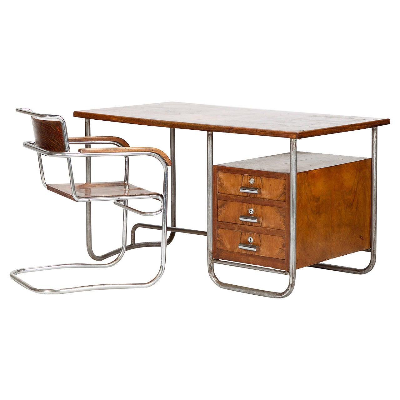 Italian bauhaus desk and chair by marcel breuer 1930s at for Bauhaus italia