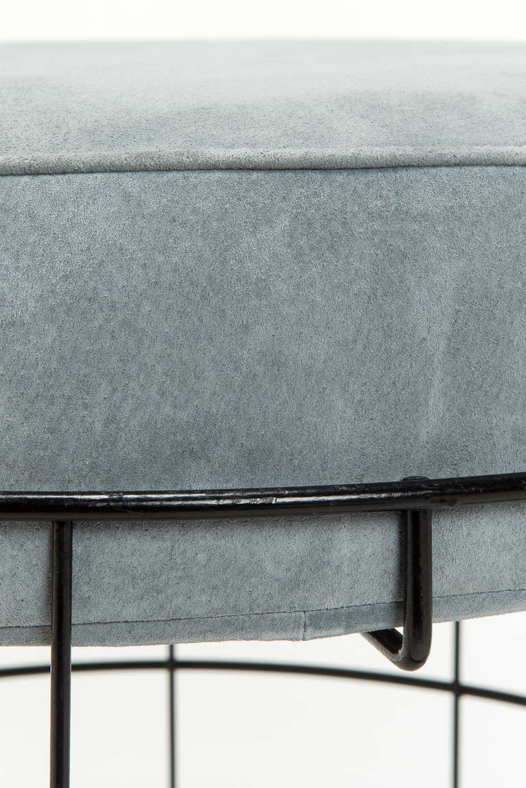 Mid-20th Century Rare Wireframe T1 Plus Stool with Suede Leather by Verner Panton For Sale