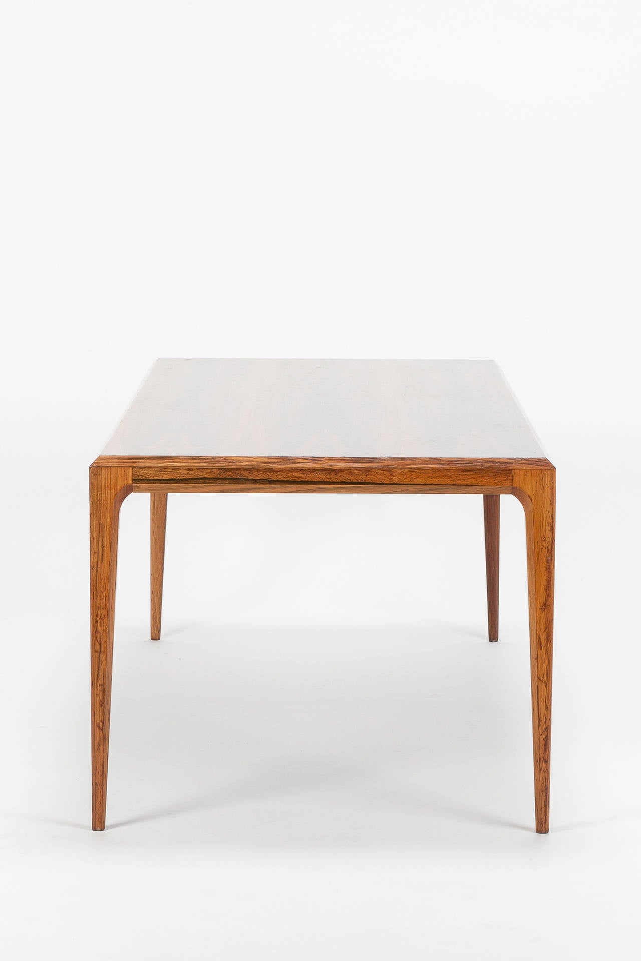 Danish Rosewood Coffee Table by Johannes Andersen Silkeborg, 1960s In Good Condition For Sale In Basel, CH