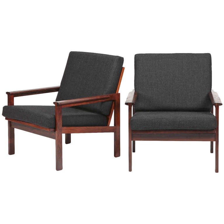 Set Of Capella Easy Chairs Ottoman And Coffee Table By Illum Wikkelso At 1stdibs