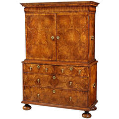 William and Mary Kingwood Cabinet on Chest Made by Thomas Pistor in London