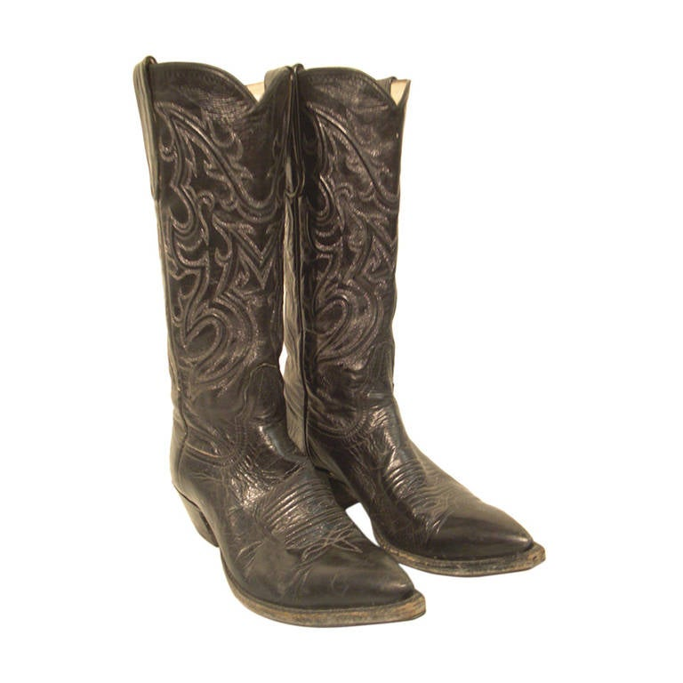 Bleu's Leather Western Boot with Pointed Toe and Stitched Upper 1