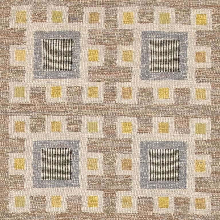 Vintage Swedish Flat-Weave Carpet In Excellent Condition For Sale In New York, NY