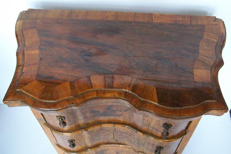 18th Century Style Italian Walnut Comodini In Good Condition For Sale In San Francisco, CA