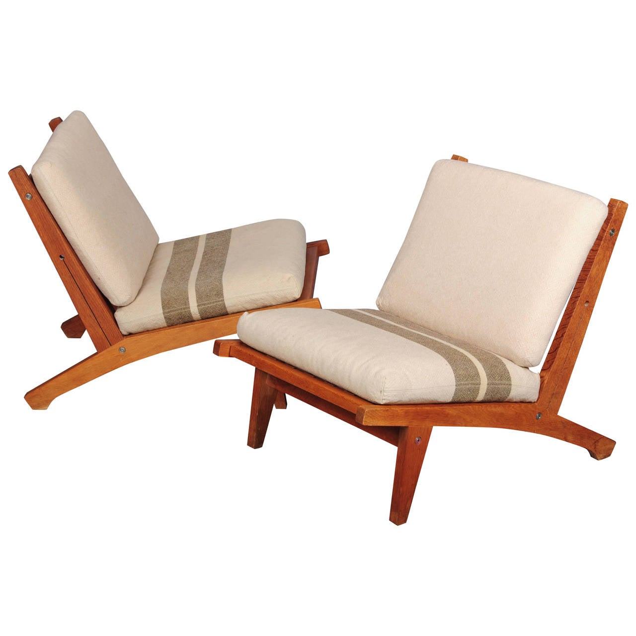 Pair of Hans Wegner Lounge Chairs For Sale at 1stdibs