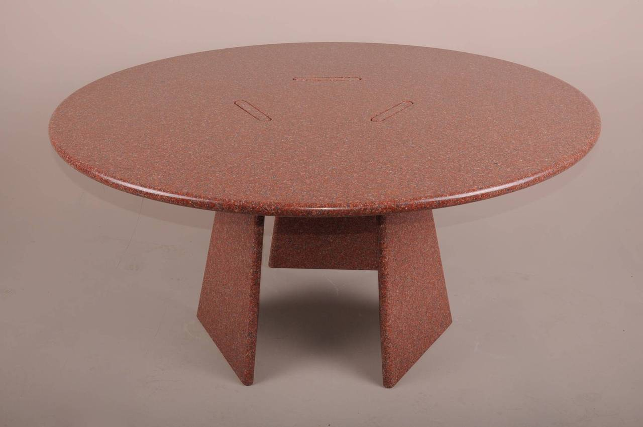 Big Asolo Dining Table by Angelo Mangiarotti in a Red  : DSC0130l from www.1stdibs.com size 1280 x 850 jpeg 72kB