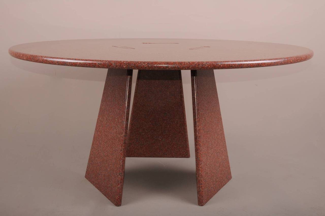 Big Asolo Dining Table by Angelo Mangiarotti in a Red  : DSC0140l from 1stdibs.com size 1280 x 850 jpeg 58kB