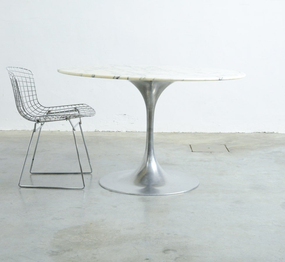 Organic Modern 19060s Round Dining Table with Arabescato Marble Top For Sale