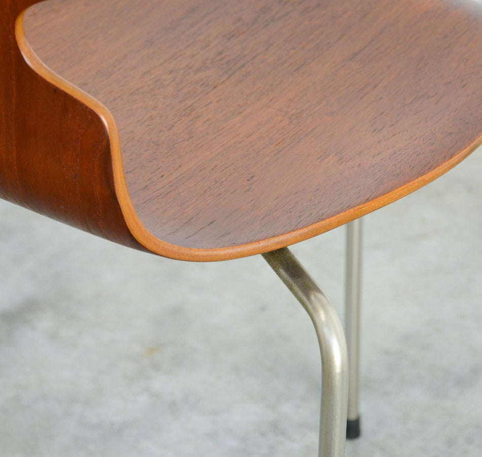Three-legged Ant Chair by Arne Jacobsen for Fritz Hansen In Excellent Condition In Vlimmeren, BE