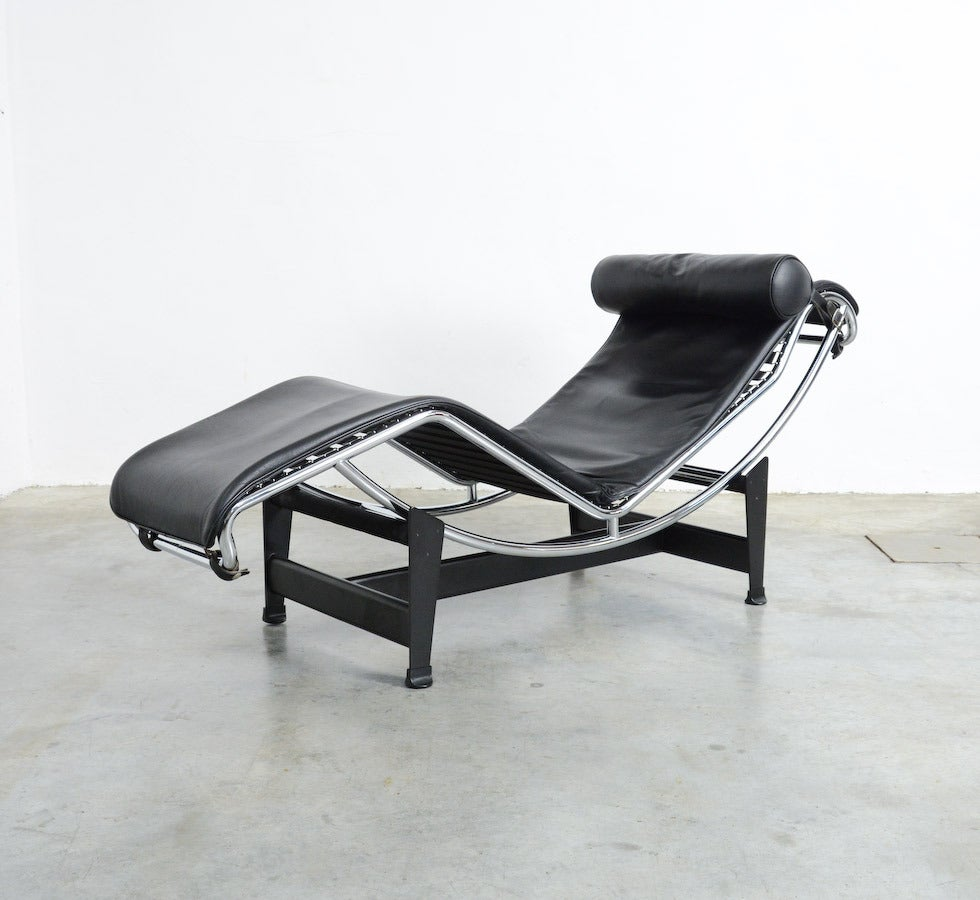 Chaise longue lc4 by le corbusier for cassina at 1stdibs for Chaise le corbusier