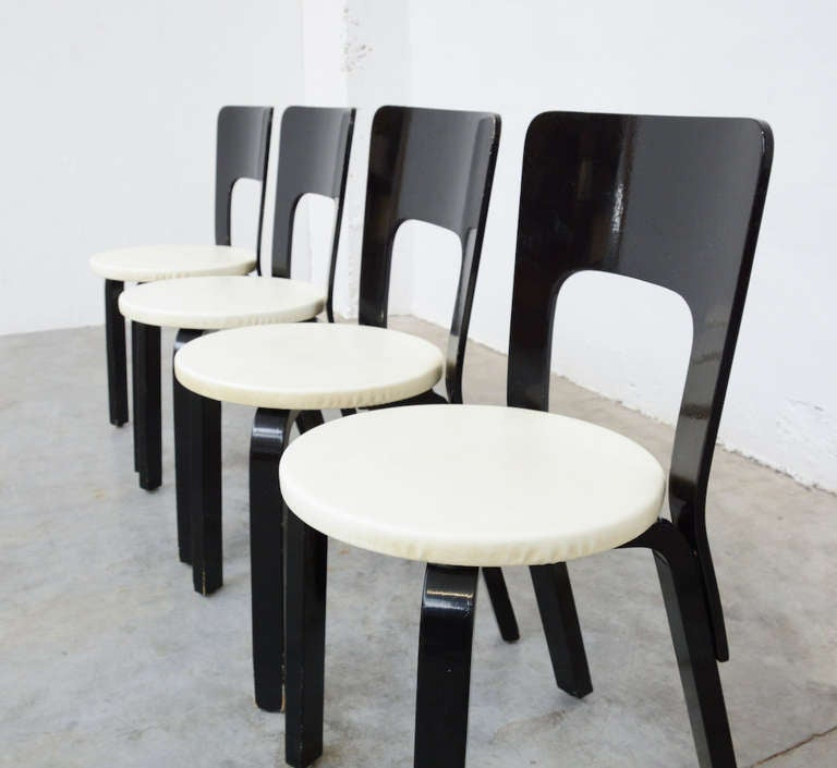 Set of four dining chairs 66 by alvar aalto for artek at for Chaise 66 alvar aalto