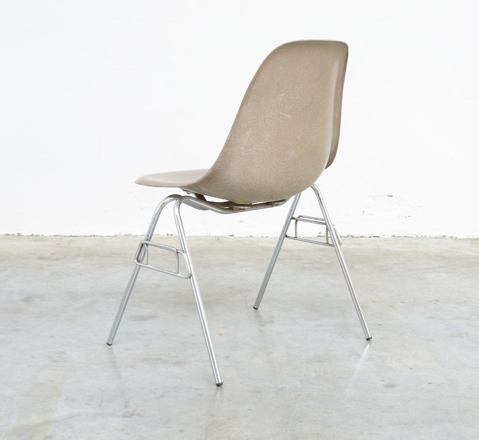 Fiberglass Side Chairs by Charles and Ray Eames for Herman Miller 6