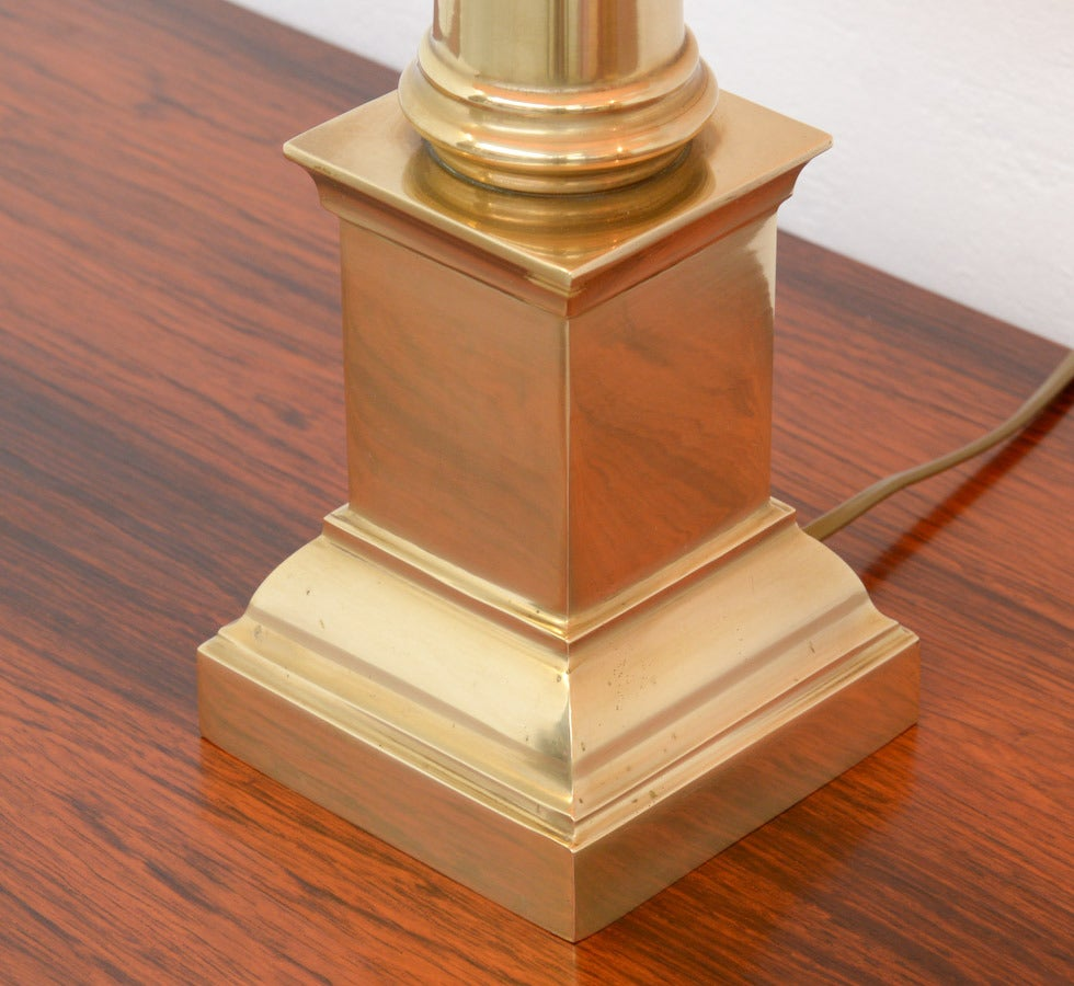 Pair of large brass tuscan column table lamp of the 1970s for Table column