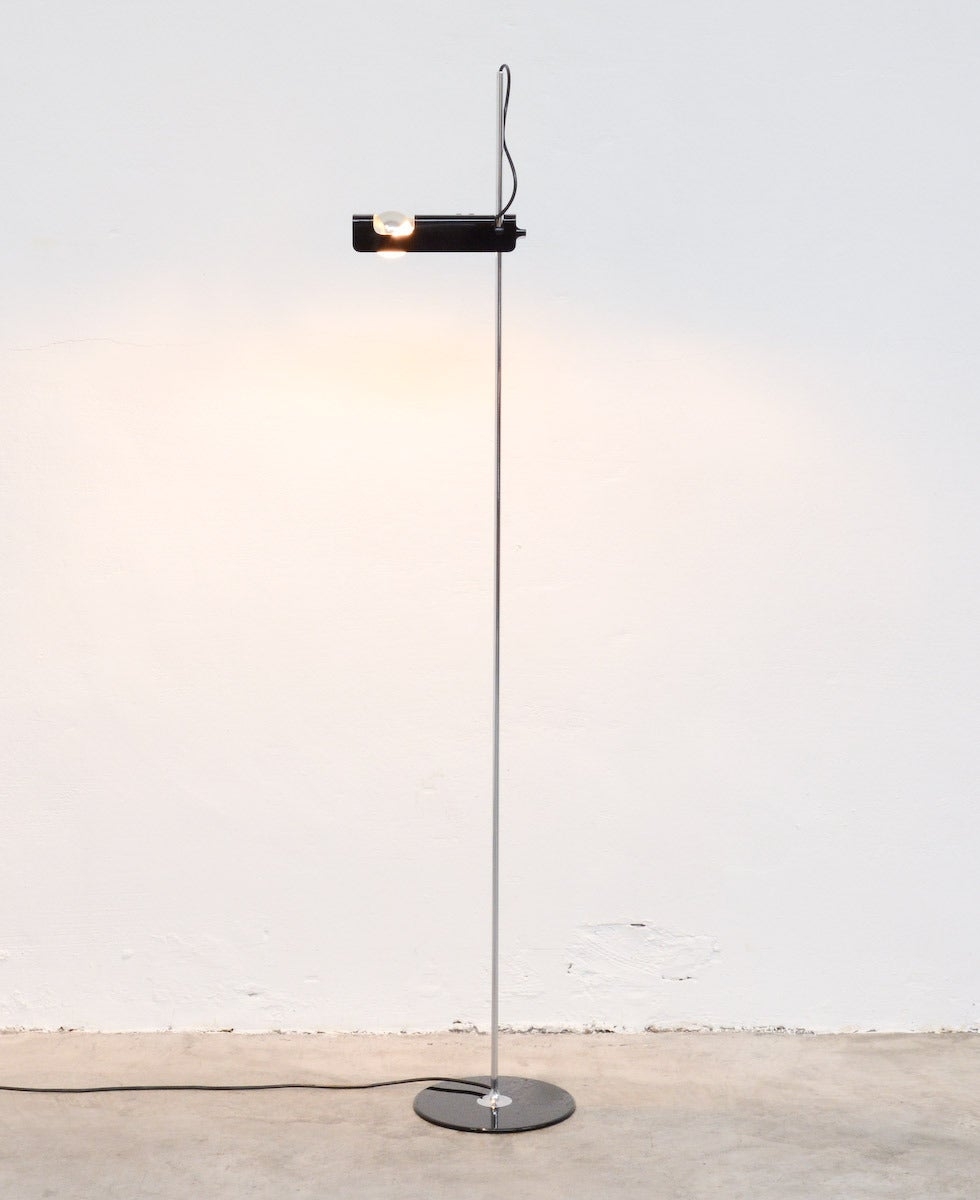 Spider floor lamp by joe colombo for oluce at 1stdibs for What is a spider lamp