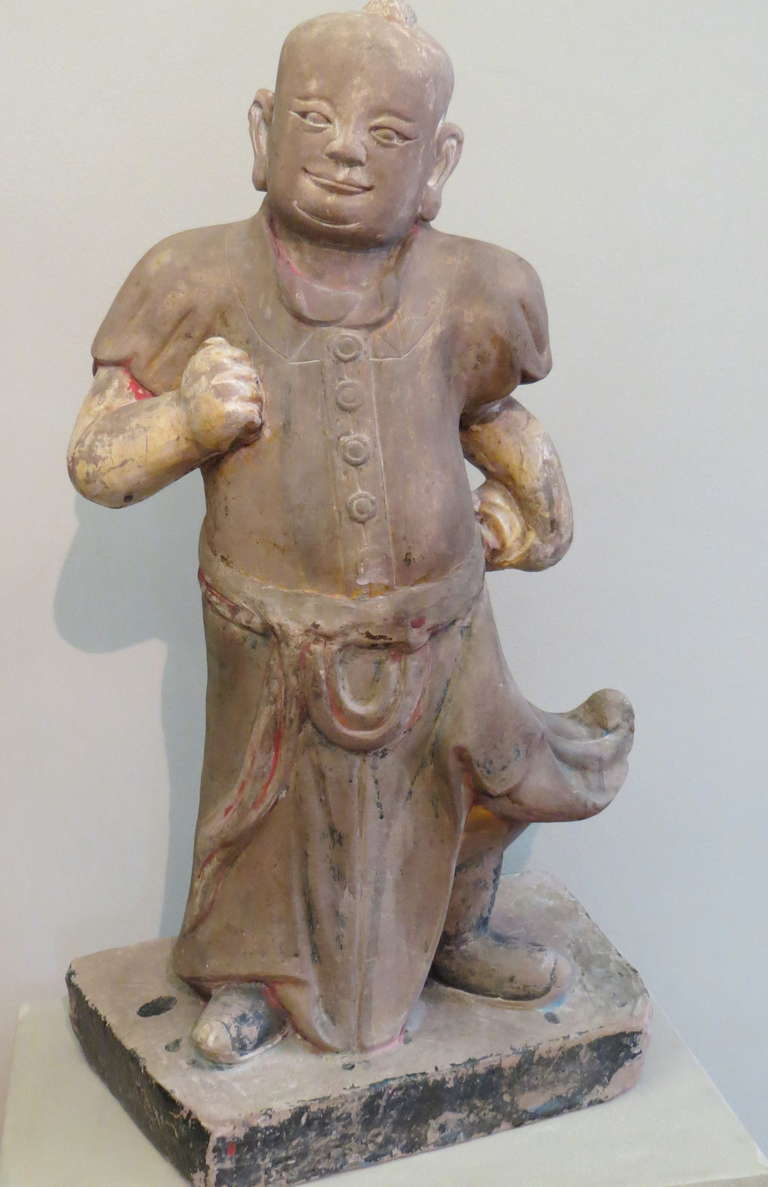 Large Chinese Mid-19th Century Sand Stone Sculpture of a Scholar In Good Condition For Sale In Torino, IT