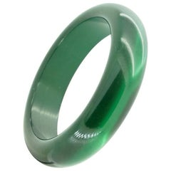 Retro Vintage Lucite Deep Emerald Green with Moonglow Finish Bangle