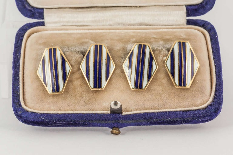 Lozenge shaped enamel cuff links with connection