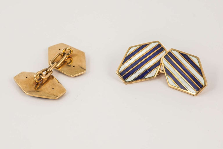 Men's Art Deco Navy and White Enamel 18 Karat Gold Cufflinks For Sale
