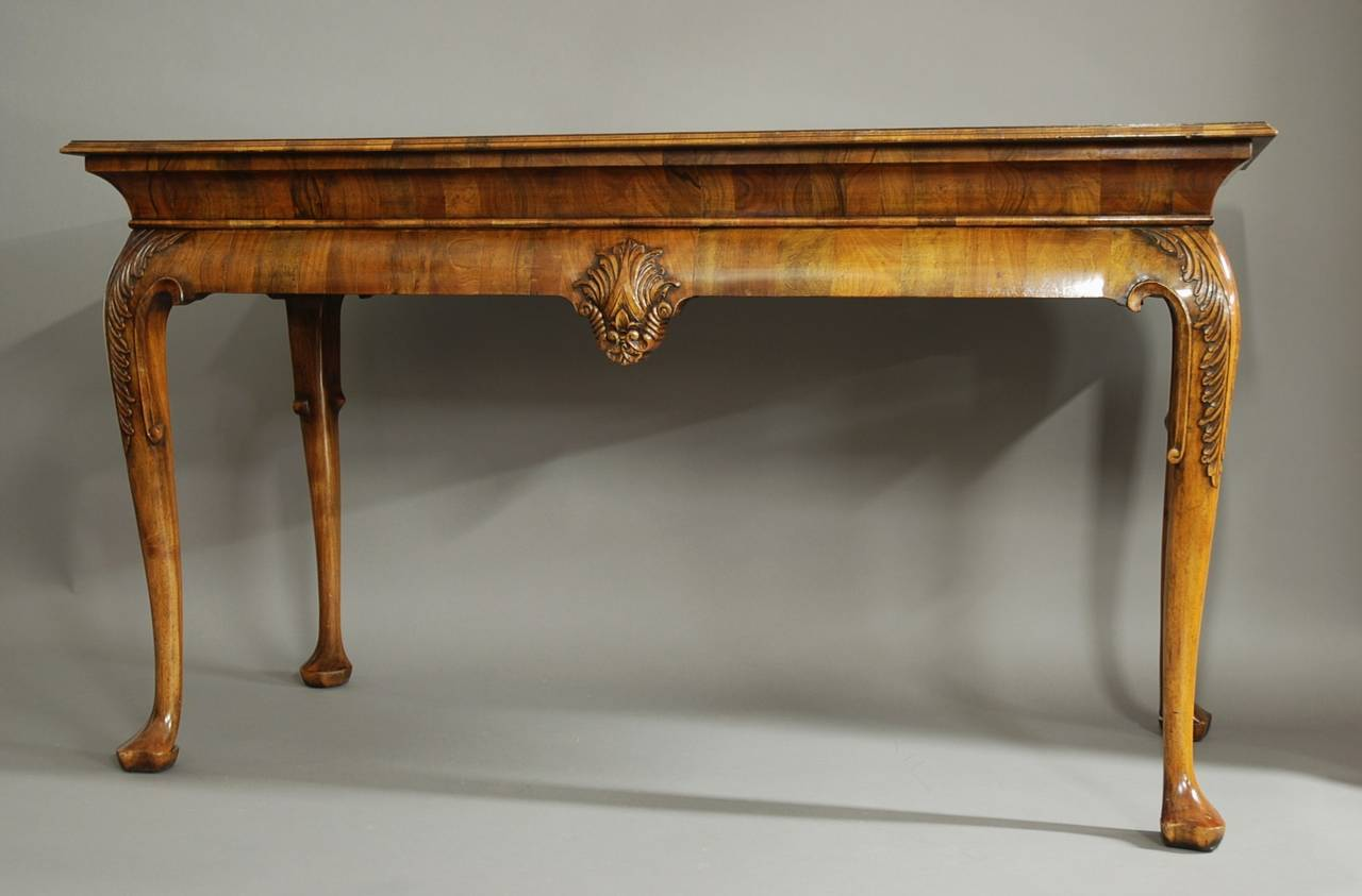 Exceptional English Queen Anne Style Walnut Side Table For Sale