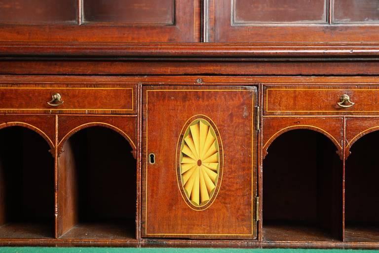 Late 18th century Mahogany Secretaire Bookcase For Sale 1