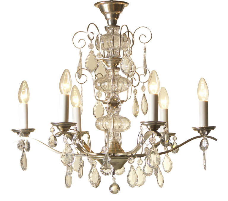Very Charming and Elegant 1950s Mid Century Modern Crystal Chandelier -Original In Excellent Condition For Sale In Vienna, AT
